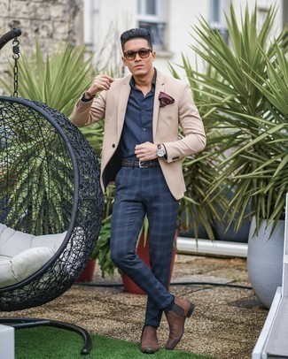 Brown Leather Chelsea Boots Outfits For Men: This outfit clearly illustrates it is totally worth investing in such menswear essentials as a beige blazer and navy plaid chinos. Add a pair of brown leather chelsea boots to this getup to instantly change up the look.
