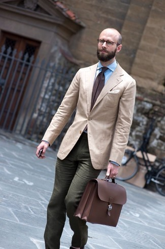Beige Blazer Outfits For Men: This pairing of a beige blazer and olive chinos is a fail-safe option when you need to look effortlessly classic in a flash.