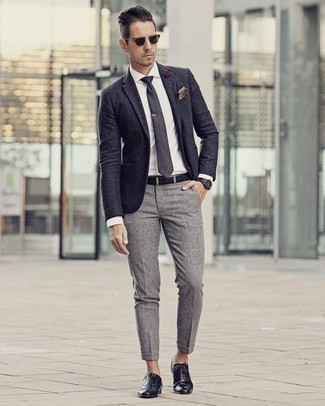 Jacket Outfits For Men: For an ensemble that's effortlessly classic and envy-worthy, choose a jacket and grey chinos. Black leather oxford shoes are a fail-safe way to bring a dose of refinement to this look.