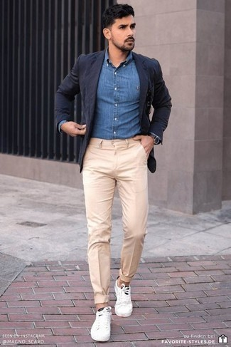 Dark Brown Leather Watch Outfits For Men: Putting together a navy blazer with a dark brown leather watch is a great pick for a relaxed casual getup. Finishing with a pair of white and black canvas low top sneakers is an easy way to introduce some extra zing to your getup.