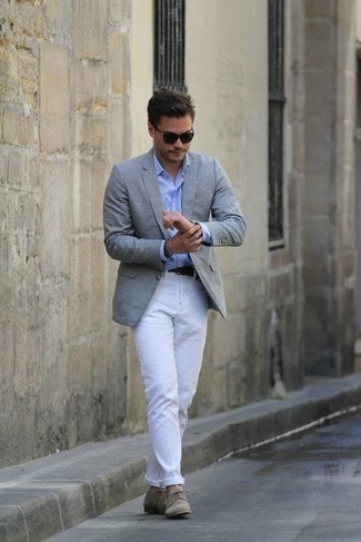 Bracelet Outfits For Men: A grey blazer and a bracelet paired together are a sartorial dream for men who prefer casually stylish ensembles. For something more on the classier side to finish off your ensemble, add a pair of tan canvas derby shoes to the equation.