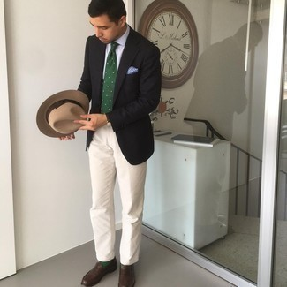 Tan Wool Hat Outfits For Men: A black blazer and a tan wool hat are a smart ensemble to incorporate into your daily casual routine. Complement your look with dark brown leather loafers to avoid looking too casual.