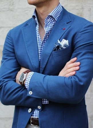 Blue Blazer with Grey Dress Pants Outfits For Men: Parade your elegant side by wearing a blue blazer and grey dress pants.
