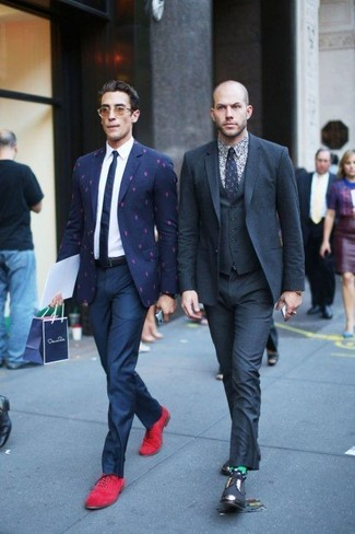 Burgundy Suede Oxford Shoes Outfits: We love the way this combo of a navy print blazer and navy dress pants instantly makes any guy look dapper and sophisticated. Let your sartorial prowess truly shine by rounding off this getup with a pair of burgundy suede oxford shoes.