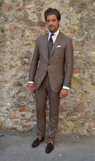 How to Wear Dark Brown Dress Pants For Men: A brown blazer looks so elegant when worn with dark brown dress pants. Dark brown suede tassel loafers integrate really well within a variety of combos.