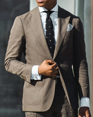 Tap into refined, elegant style with a JF J.Ferrar men's Jf J Ferrar End On End Suit Jacket Classic Fit and brown plaid dress pants. We're loving that this getup is great when hot weather hits.