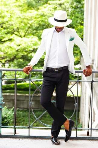 A white jacket and black trousers will showcase your sartorial self. Break up your ensemble with more casual shoes, like this pair of black leather loafers. If you're thinking of a summer-ready look, this one is a wonderful pick.