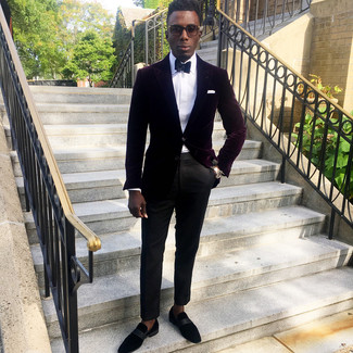 How to Wear a Black Bow-tie For Men: This is solid proof that a burgundy velvet blazer and a black bow-tie look awesome when paired together in a contemporary look. If you need to instantly amp up this look with one piece, complement your look with black suede loafers.