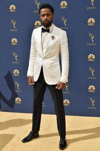 How to wear: white blazer, white dress shirt, black dress pants, black leather oxford shoes
