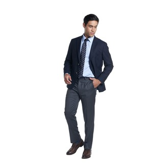 How to Wear a Navy Horizontal Striped Tie For Men: This pairing of a navy blazer and a navy horizontal striped tie is a real lifesaver when you need to look like a modern gentleman. Dark brown leather derby shoes are a fitting choice here.