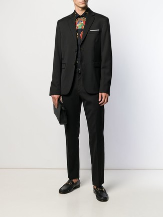 How to Wear a Black Print Dress Shirt For Men: This combination of a black print dress shirt and black dress pants is a winning option when you need to look like a contemporary gent. Choose a pair of black leather loafers and ta-da: the ensemble is complete.
