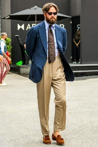 How to Wear a Navy Wool Blazer For Men: Wear a navy wool blazer with khaki dress pants for a seriously sharp outfit. If in doubt as to what to wear in the footwear department, complete your outfit with tobacco suede tassel loafers.