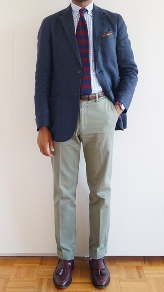 How to Wear Navy Horizontal Striped Socks For Men: This pairing of a navy blazer and navy horizontal striped socks is impeccably stylish and yet it looks laid-back and apt for anything. If you need to effortlesslly smarten up this outfit with a pair of shoes, why not complete your ensemble with burgundy leather tassel loafers?