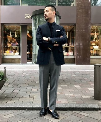 How to Wear a Black Blazer For Men: Teaming a black blazer with grey dress pants is a smart choice for a stylish and sophisticated ensemble. We're loving how this whole getup comes together thanks to a pair of black leather loafers.