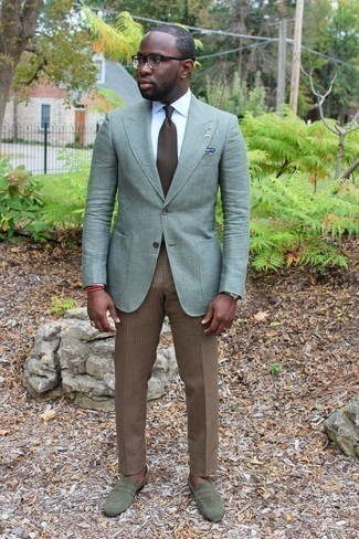 Men's Looks & Outfits: What To Wear In 2020: Opt for a mint blazer and khaki check dress pants if you're aiming for a clean-cut, smart ensemble. A pair of olive suede loafers integrates effortlessly within a ton of combos.