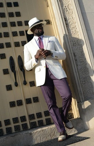 How to Wear a Blazer For Men: This pairing of a blazer and violet dress pants spells manly elegance. Add a pair of white and black leather oxford shoes to the mix and you're all set looking amazing.