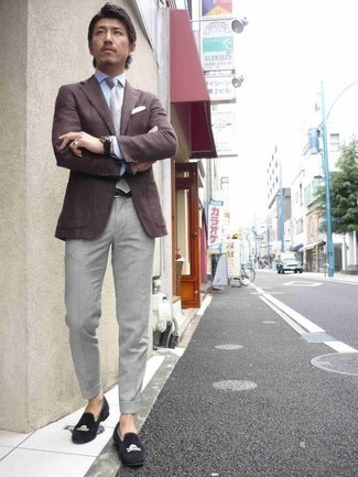 Grey Dress Pants Outfits For Men: A dark brown blazer and grey dress pants make for the ultimate sophisticated style. Complete your look with a pair of navy velvet loafers and you're all set looking smashing.