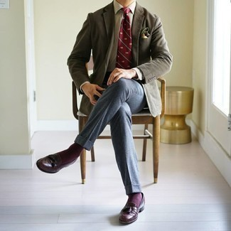 Grey Blazer Outfits For Men: A grey blazer and blue wool dress pants are an elegant combo that every stylish gent should have in his wardrobe. If you're clueless about how to finish, complete your look with burgundy leather tassel loafers.