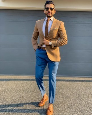 Tan Blazer with Blue Dress Pants Outfits For Men: Opt for a tan blazer and blue dress pants if you're aiming for a neat, fashionable ensemble. If you're puzzled as to how to round off, complete this look with tobacco leather tassel loafers.