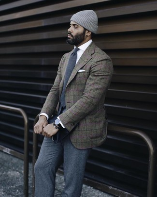 Grey Wool Dress Pants Outfits For Men: Putting together an olive plaid wool blazer and grey wool dress pants will allow you to display your sartorial skills.