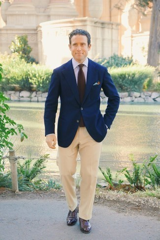 Pants Outfits For Men: You're looking at the hard proof that a navy blazer and pants are awesome when worn together in a sophisticated outfit for a modern dandy. For a classier finish, complete your look with a pair of dark brown leather oxford shoes.