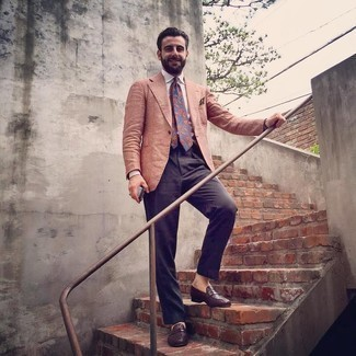 Pants Outfits For Men: Hard proof that an orange blazer and pants look awesome when paired together in a classy outfit for a modern man. A pair of dark brown leather loafers effortlessly boosts the style factor of any outfit.