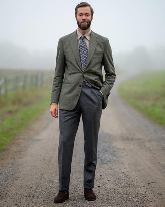 Beige Dress Shirt Outfits For Men: For manly elegance with a twist, you can easily opt for a beige dress shirt and charcoal dress pants. Dark brown suede oxford shoes are a wonderful idea to round off this look.