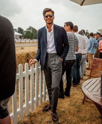 Silver Sunglasses Outfits For Men: If you like comfort dressing, why not consider this pairing of a black blazer and silver sunglasses? Not sure how to finish this outfit? Wear dark brown leather tassel loafers to smarten it up.