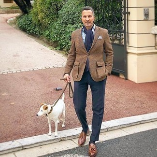 Navy Socks Outfits For Men: Such staples as a brown plaid wool blazer and navy socks are an easy way to introduce effortless cool into your daily casual lineup. Brown leather tassel loafers are a guaranteed way to infuse a dose of refinement into this outfit.