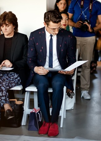 Burgundy Suede Oxford Shoes Outfits: Combining a navy vertical striped blazer with navy dress pants is an on-point choice for a sharp and sophisticated look. If you need to easily ramp up this outfit with footwear, why not complement this ensemble with burgundy suede oxford shoes?