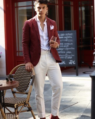 500+ Dressy Outfits For Men: A burgundy blazer and white dress pants are an extra stylish look for any guy to try. When this outfit appears all-too-dressy, play it down by slipping into burgundy suede driving shoes.