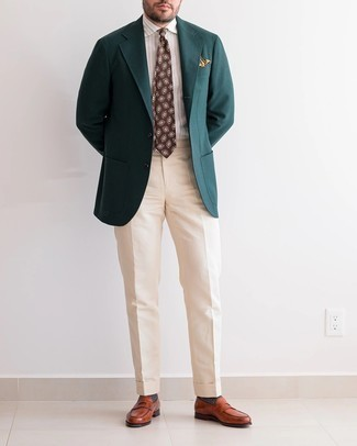 Charcoal Socks Outfits For Men: Make a dark green blazer and charcoal socks your outfit choice for an unexpectedly cool look. Feeling bold? Jazz up your ensemble by slipping into tobacco leather loafers.