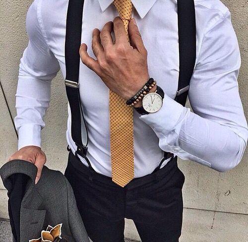 zwarte bretels met felle stropdas