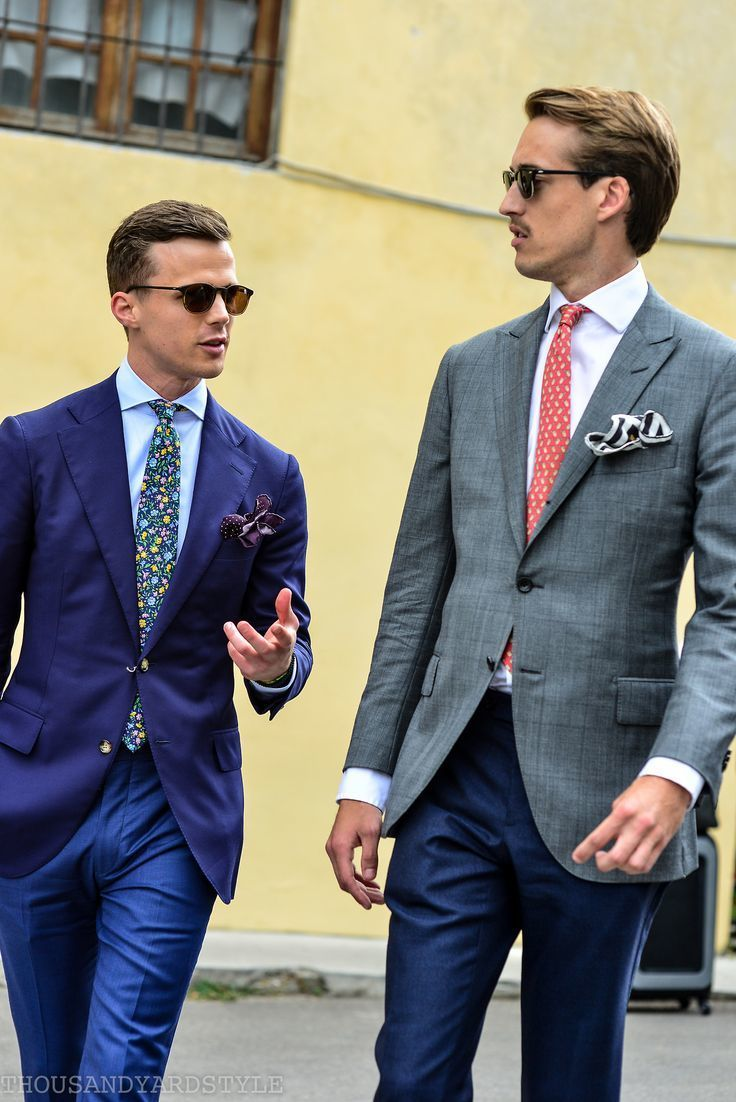 5a7c41c7cc40 How to Wear a Blue Floral Tie For Men (17 looks & outfits) | Men's ...