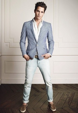 If you're a fan of classic pairings, then you'll like this combination of a white and blue gingham sportcoat and light blue jeans. Espadrilles will give your look an on-trend feel.