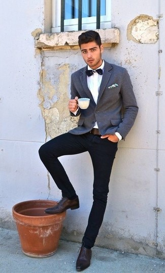 Reach for a grey blazer and navy jeans for a dapper casual get-up. Dress up your getup with oxford shoes.