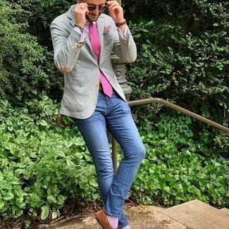 Grey Blazer with Blue Jeans Outfits For Men: A grey blazer and blue jeans combined together are a nice match. Complement your getup with brown suede loafers to instantly turn up the fashion factor of any outfit.