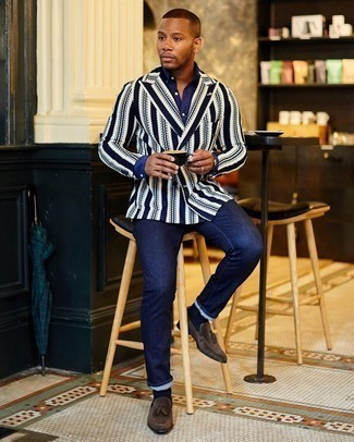 Dress Shirt Outfits For Men: This combo of a dress shirt and navy jeans is a must-try effortlessly polished getup for any modern gentleman. Complete this look with dark brown suede tassel loafers for a hint of refinement.