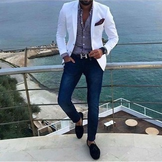 Navy Leather Watch Outfits For Men: A white blazer and a navy leather watch are a nice go-to combo to keep in your casual sartorial collection. A pair of black suede tassel loafers instantly classes up any ensemble.