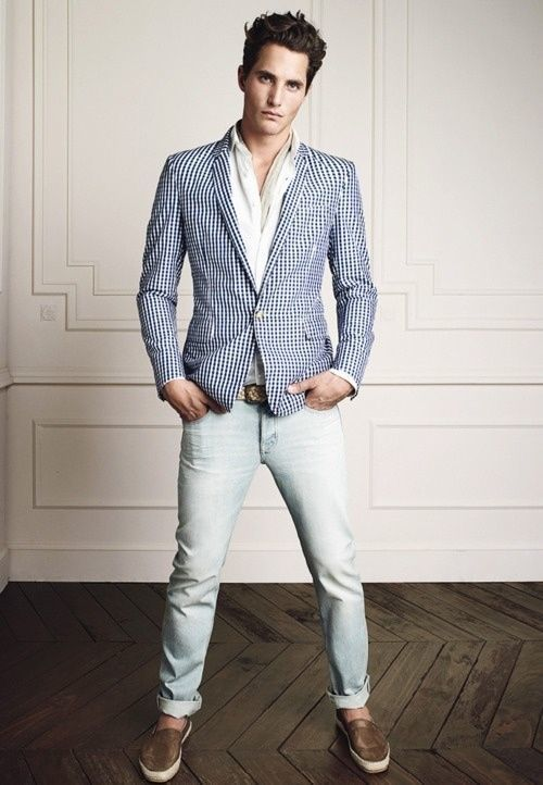 aedf1b117e How To Wear a White Blazer With Light Blue Jeans For Men (2 looks    outfits)