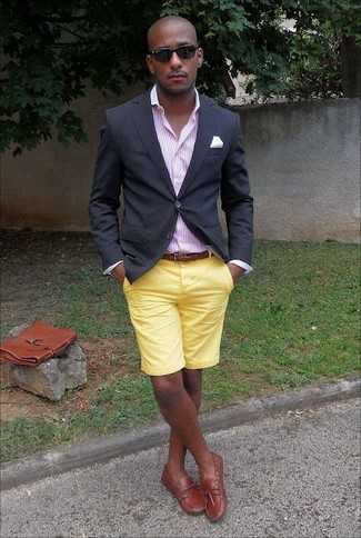 How to wear: black blazer, pink vertical striped dress shirt, yellow shorts, tobacco leather boat shoes