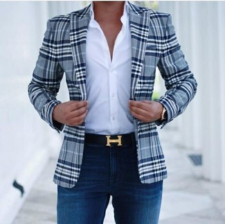 How to wear: navy plaid blazer, white dress shirt, navy skinny jeans, black leather belt