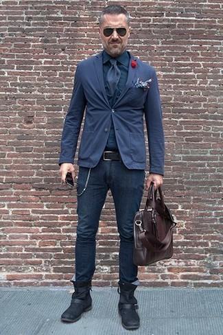 How to wear: navy cotton blazer, navy dress shirt, navy skinny jeans, black leather chelsea boots