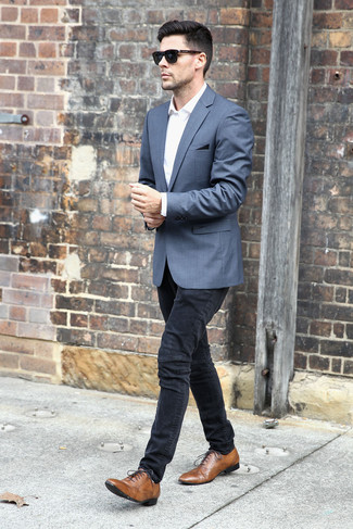 How to wear: grey blazer, white dress shirt, black skinny jeans, brown leather oxford shoes