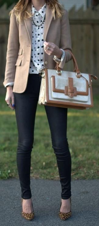 How to wear: beige wool blazer, white and black polka dot dress shirt, black skinny jeans, tan leopard suede pumps