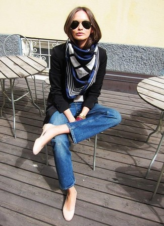 How to wear: black blazer, blue jeans, beige leather ballerina shoes, navy and white print scarf