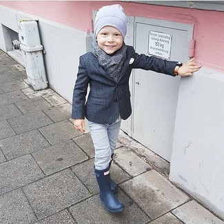 How to wear: charcoal blazer, grey jeans, navy rain boots, grey beanie