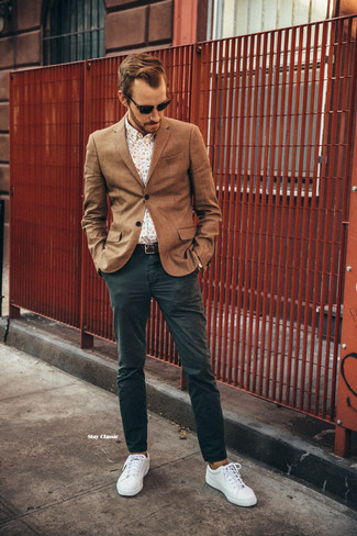 How to wear: brown wool blazer, beige floral long sleeve shirt, dark green chinos, white plimsolls
