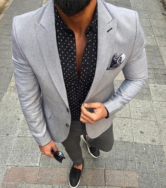 How to wear: grey blazer, black print long sleeve shirt, charcoal chinos, black leather slip-on sneakers