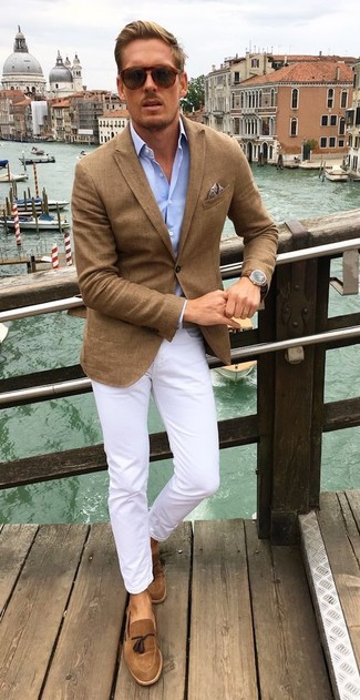 How to wear: brown blazer, light blue long sleeve shirt, white chinos, brown suede tassel loafers